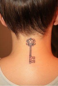 gunaikeia tattoo kleidi