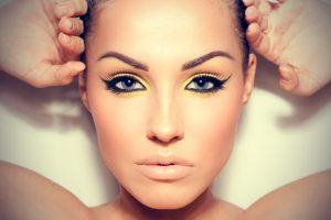 6 Συμβουλές μακιγιάζ για πιο λεπτό πρόσωπο!