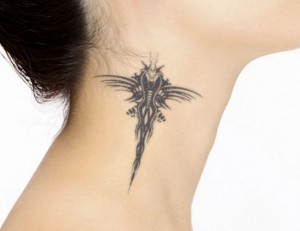women tattoo neck