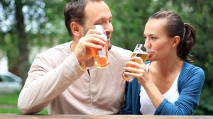 couple drinking beer