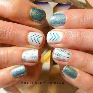 glitter manicure