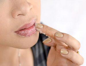 lip peeling