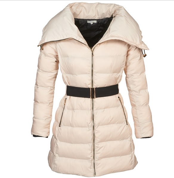 ededddb48186 Το μπουφάν είναι μία εναλλακτική και λίγο πιο σπορ-casual επιλογή για εμάς  τις γυναίκες. Όντας αρκετά ζεστό