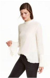 blouse-trumpet-sleeves