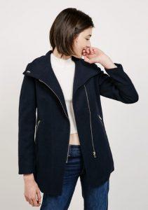 oikonomika palto bershka