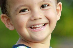 10 φράσεις που τα παιδιά θέλουν να ακούν από εσάς κάθε μέρα!
