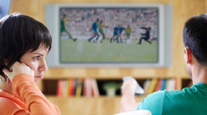 Γιατί δεν πρέπει να γκρινιάζεις όταν βλέπει ποδόσφαιρο!