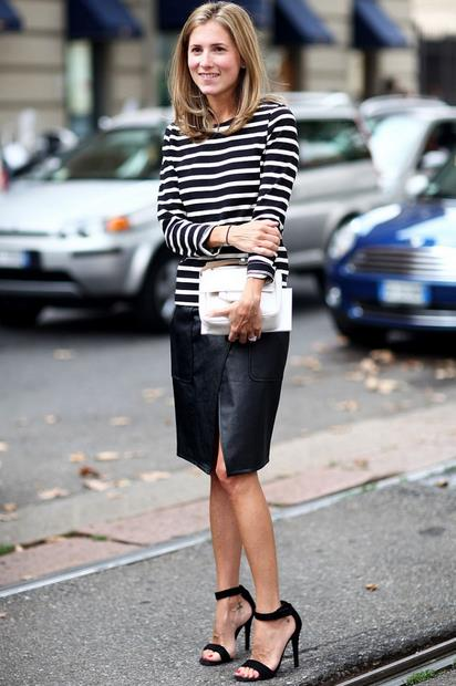 Είναι τόσο κομψό το στυλ της συγκεκριμένης φούστα που μπορείς να την  φορέσεις με τα πάντα! Φόρα την pencil φούστα σου με μάλλινη μπλούζα και  αθλητικά ή αν ... 367ca661175