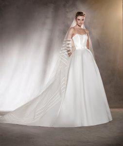 classic-wedding-dress-strapless-fardia-grammia-fiogkos-sti-mesi