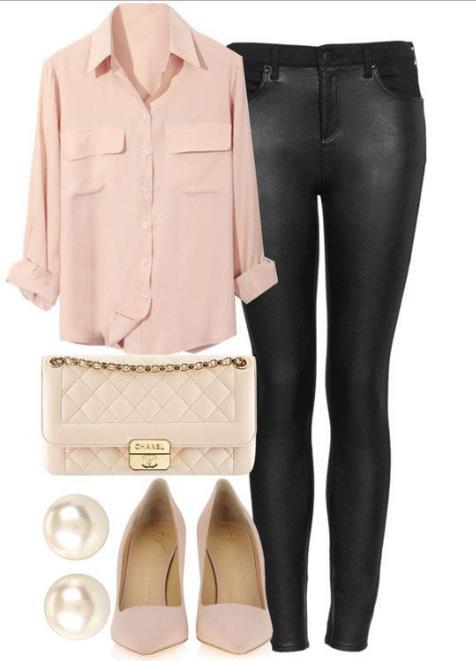 e67e45b9ba2b Ένα ροζ ή μπλε πουκάμισο μπορεί να απογειώσει την εμφάνισή σου. Φόρεσε ένα  ροζ πουκάμισο σε φαρδιά γραμμή με το στενό σου τζιν παντελόνι.