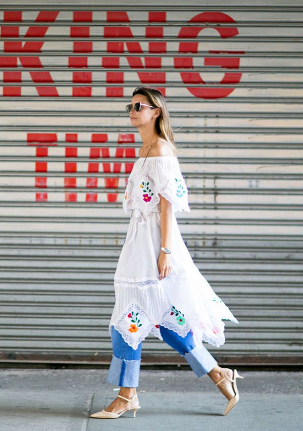 4ad140defce Το denim κυριαρχεί πολύ στα street style outfits. Φόρεσε ένα παντελόνι,  είτε skinny, είτε καμπάνα, ότι σου αρέσει εσένα περισσότερο και από πάνω  μια ...