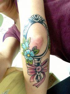 kathreftis tattoo ston agkwna