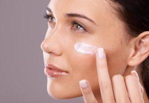 Πώς να προετοιμάσεις σωστά το δέρμα του προσώπου σου για την άνοιξη!