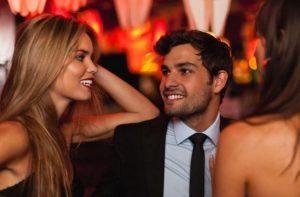 flirt στο πάρτυ