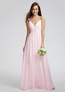 Αν είσαι η νύφη ή η κουμπάρα δες τις πιο πάνω φωτογραφίες. Μπορείς να  διαλέξεις ανάμεσα σε φορέματα ουδέτερων χρωμάτων όπως είναι το λευκό 367800f55b4