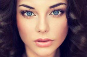 10 Μοναδικά μακιγιάζ για μπλε μάτια και πώς να τα κάνεις!