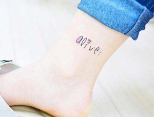 tatouaz leksi me xroma astragalos