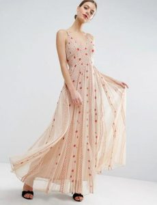 cb4a9dcccc 60 Όμορφα nude φορέματα για γάμο   βάφτιση!
