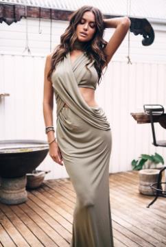Καλοκαιρινά φορέματα για ιδιαίτερες στιγμές  2bb8440eb7f
