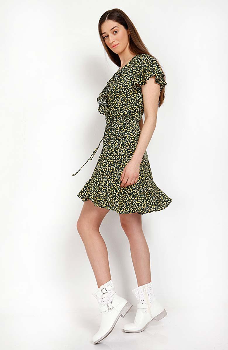 700c1599c67 Για μια ακόμα φορά η εταιρεία συνδυάζει την άνεση και την κομψότητα. Φορέματα  αέρινα, μάξι αλλά και κοντά. Με δαντελένιες λεπτομέρειες και διακριτικά ...