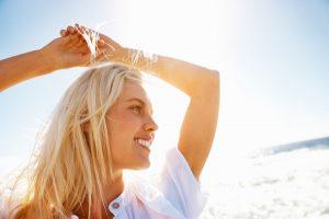 6 Μυστικά για να φροντίζεις τα ξανθά σου μαλλιά!