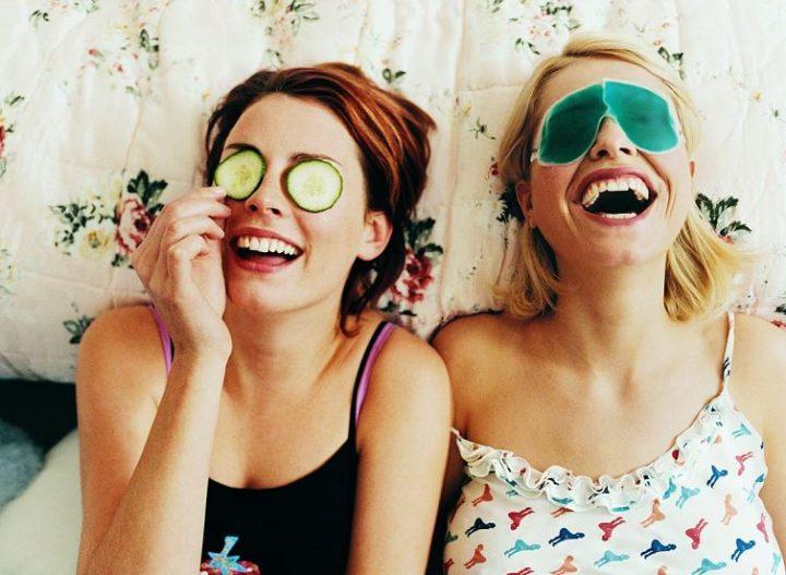 10 Τρόποι για να τα ξαναβρείς με τη θυμωμένη φίλη σου!