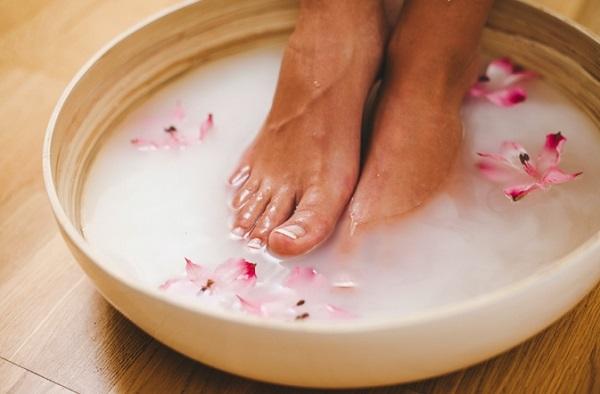 5 Τρόποι για να περιποιηθείς τα πόδια σου το καλοκαίρι!