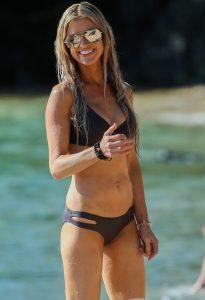 Christina-El-Moussa kafe skouro bikini