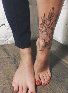 megalo tatouaz sto podi louloudia