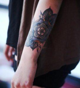 mple louloudi ginaikeio tatouaz