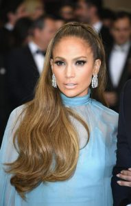 Jennifer Lopez,elafri smokey eye, nude xeilia, half-up ponytail