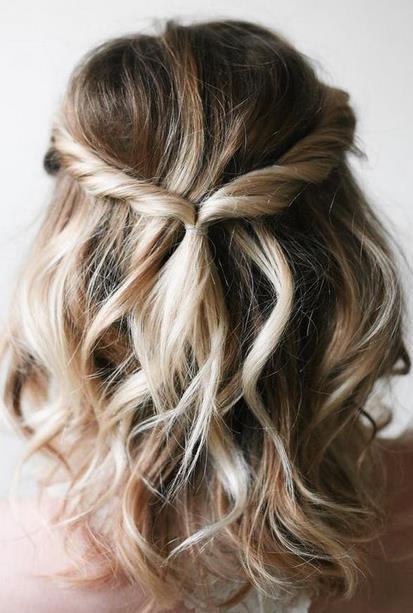 b5ea691bfed9 Το συνηθέστερο «πρόβλημα» που συναντούν οι γυναίκες με κοντά μαλλιά είναι  ότι δεν μπορούν να κάνουν και πολλά διαφορετικά χτενίσματα. Λάθος!