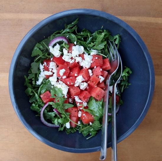 Συνταγή για δροσιστική σαλάτα με καρπούζι και φέτα!