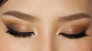 kafe smokey eyes