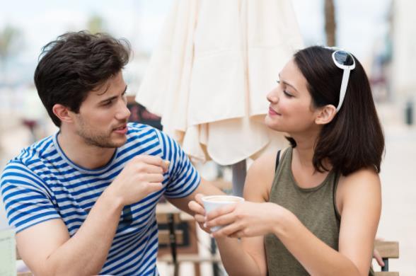 πράγματα για να μιλήσεις με κάποιον που βγαίνεις ραντεβού Συνδέστε τα σχολεία