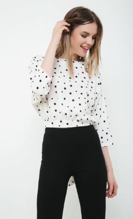 6e38ab525624 Οι χειμωνιάτικες μπλούζες παίρνουν μια αέρινη γραμμή και ένα πιο elegant  look. Μπορείς να βρεις πολλά σχέδια σε μακριμάνικες μπλούζες για την  καθημερινή ...