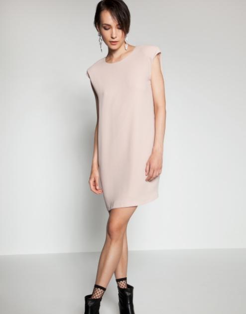 f7aeb06da50e Ακόμη και τα πιο casual φορέματα της εταιρείας είναι τόσο προσεκτικά  σχεδιασμένα που κολακεύουν την σιλουέτα μας και τονίζουν την θηλυκή μας  πλευρά.
