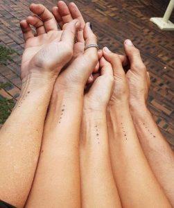koino tattoo gia aderfia