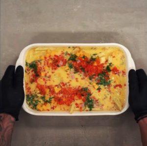 Εύκολη συνταγή για ομελέτα φούρνου με τηγανητές πατάτες!