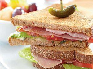 sandwich me prosouto kai ntomata