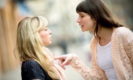 4 Τρόποι που τα παιδικά τραύματα επηρεάζουν την ενήλικη ζωή σου!