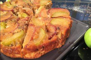 Εύκολη συνταγή για αναποδογυριστή μηλόπιτα!