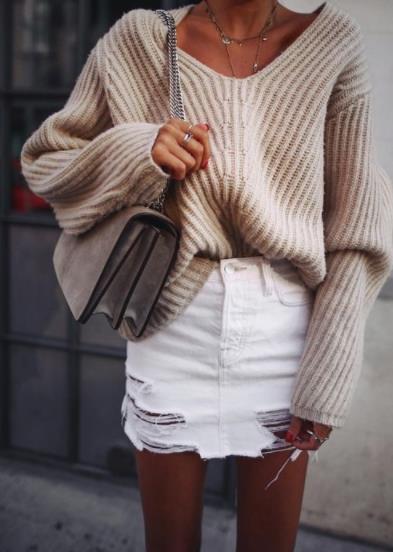 5 Τρόποι για να φορέσεις το πουλόβερ σου με φούστα! 40c6e2f827e