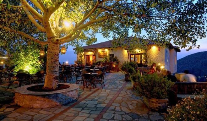 8 Πανέμορφοι χειμερινοί προορισμοί για ζευγάρια στην Ελλάδα!