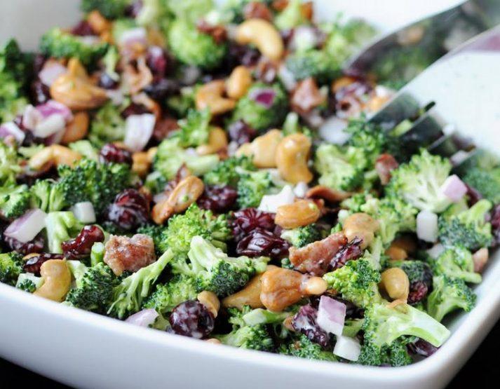 Πανεύκολη σαλάτα του χειμώνα με ωμό μπρόκολο & κουνουπίδι!