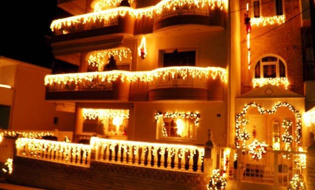 20 Χριστουγεννιάτικες ιδέες για να στολίσεις το μπαλκόνι σου!