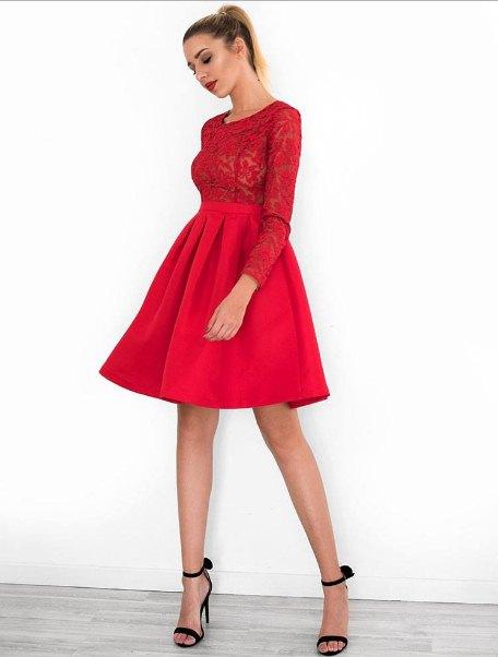 77f78cb60f13 Τα κοντά φορέματα είναι σέξι και διαχρονικά. Προτίμησε ένα κοντό κόκκινο  φόρεμα με τελείωμα σε γραμμή Α για να δείχνουν πιο λεπτά και ψηλά τα πόδια  σου.