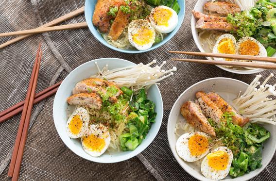 Πανεύκολη συνταγή για ramen με κοτόπουλο πανέ!