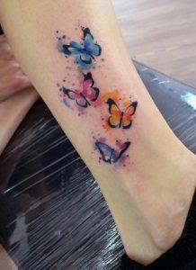 tattoo petaloudes diakritikes sto podi