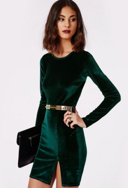 7972b1fdef2 Το βελούδο αποτελεί την τάση της χρονιάς, αφού φέτος η μόδα προστάζει  βελούδινα ρούχα παντού! Τα φορέματα αυτά, αποτελούν ιδανική επιλογή για  όλες τις ...